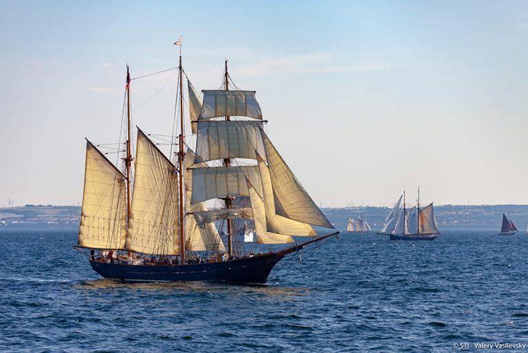 tall ship loa sailing