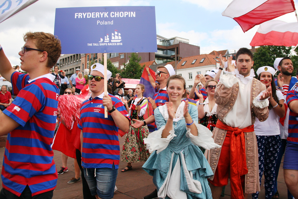 The crew from Fryderyk Chopin marching