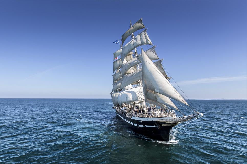 belem sail on board. Black Bedroom Furniture Sets. Home Design Ideas
