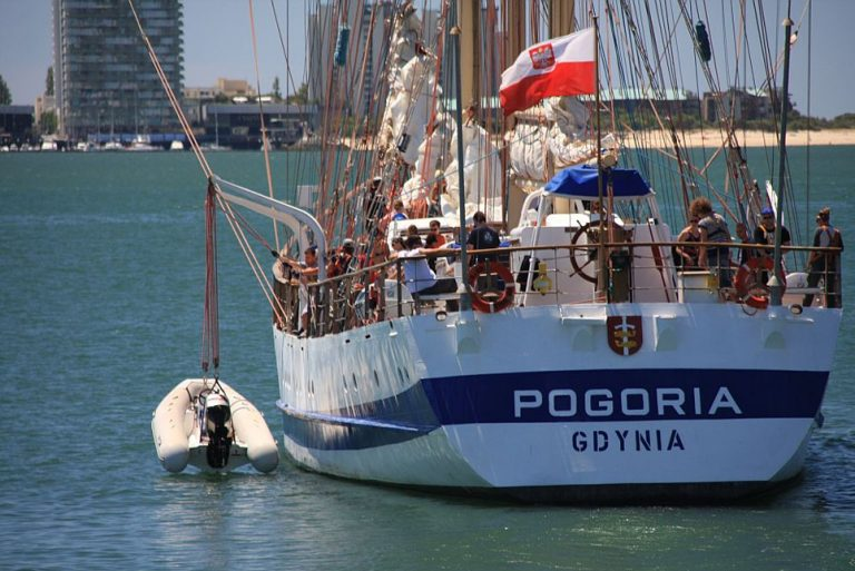Pogoria tall ship