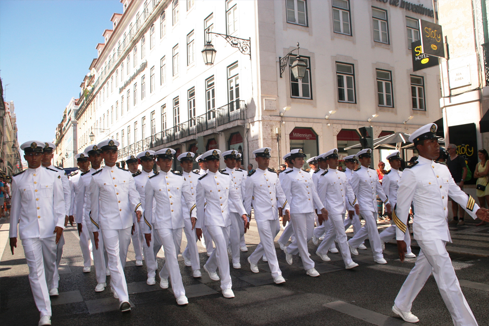 The crew of Cuauhtemoc marching in the Crew Parade in Lisbon