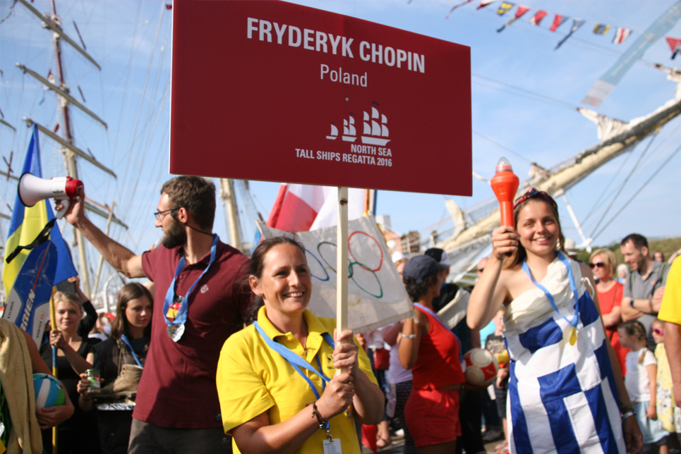 The crew of Fryderyk Chopin in the Crew Parade
