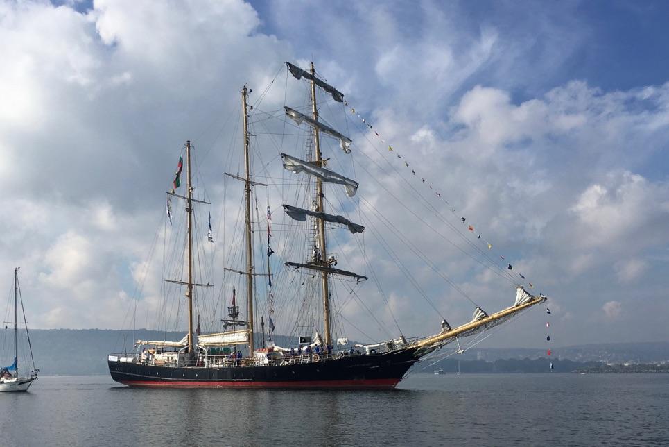 Kaliakra arriving into port