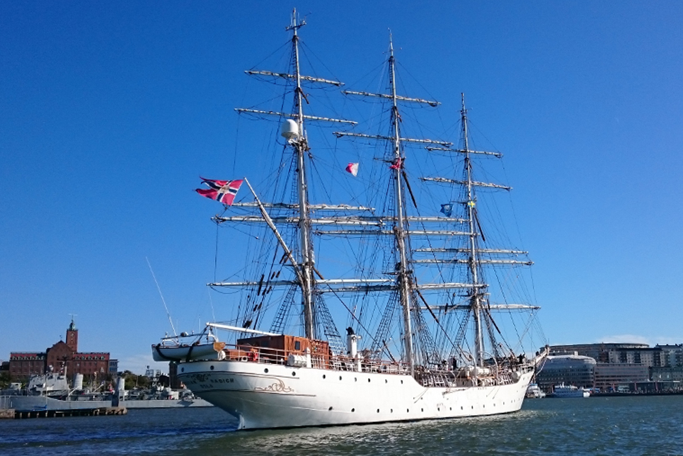 Christian Radich in the Parade of Sail, Gothenburg