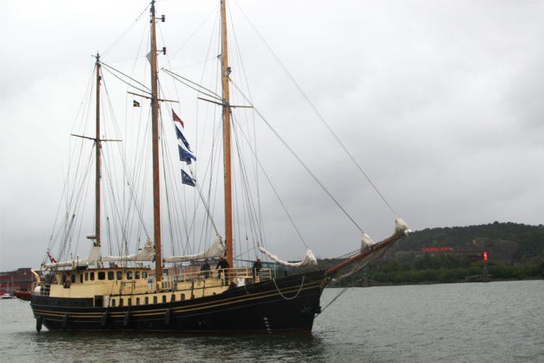 Skonnerten Jylland arriving
