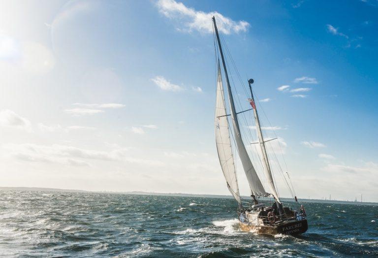 polish yacht farurej at sea sailing