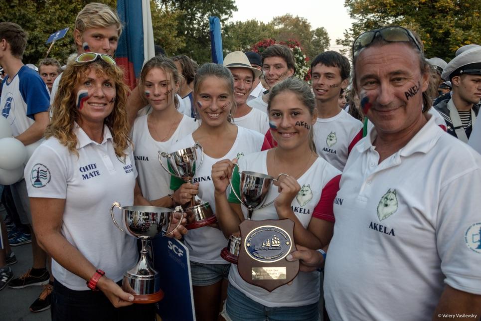 Akela crew with their winnings