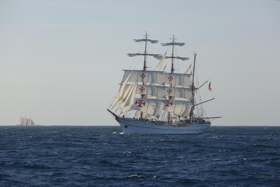 sagres sail on board. Black Bedroom Furniture Sets. Home Design Ideas