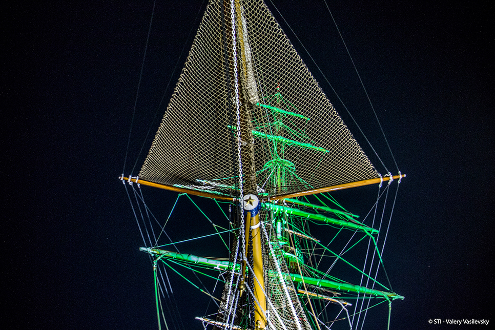 tall ships mast in bermuda