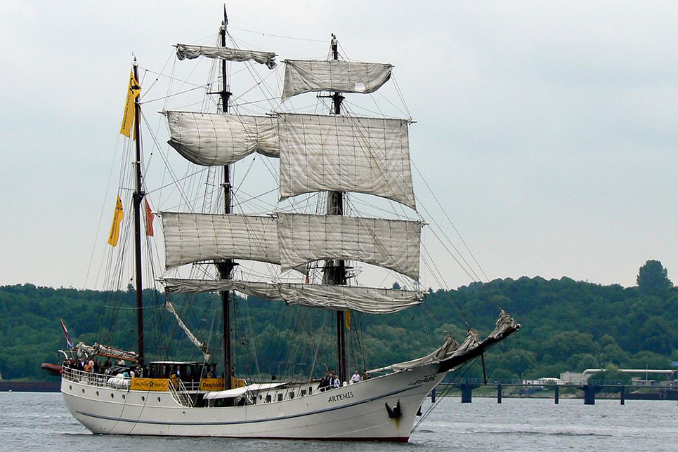 tall ship artemis from the netherlands