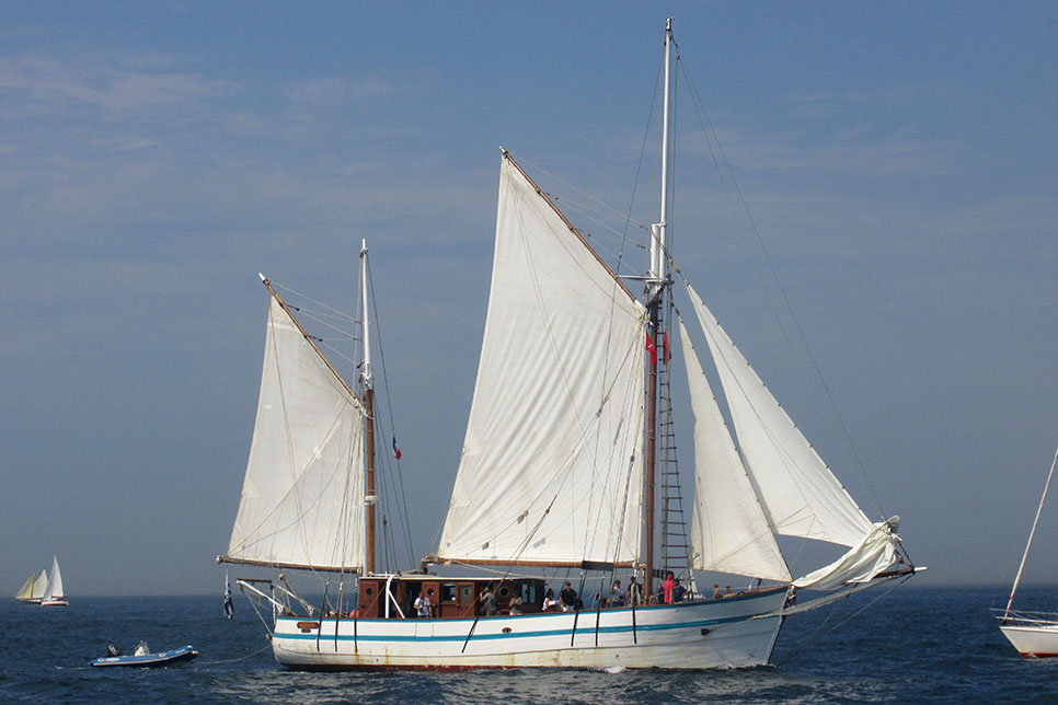 Tall ship arawak