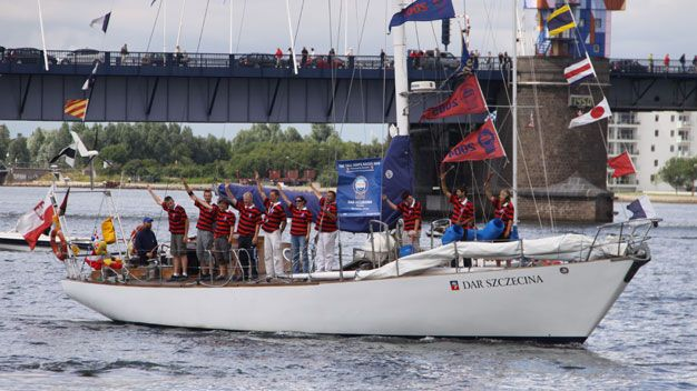dar Szczecina ship sailing