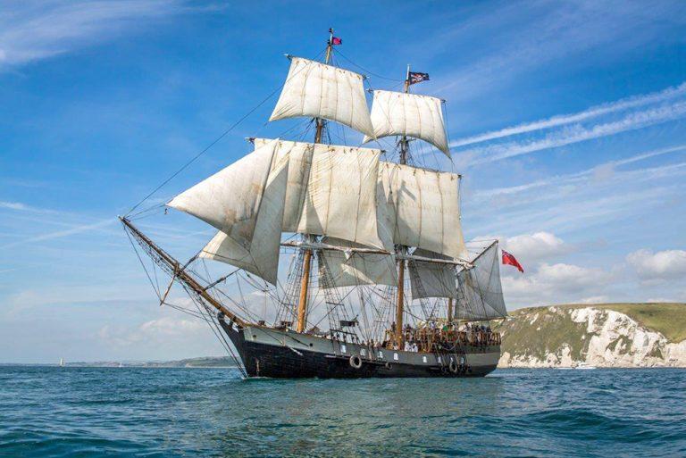 tall ship earl of pembrooke