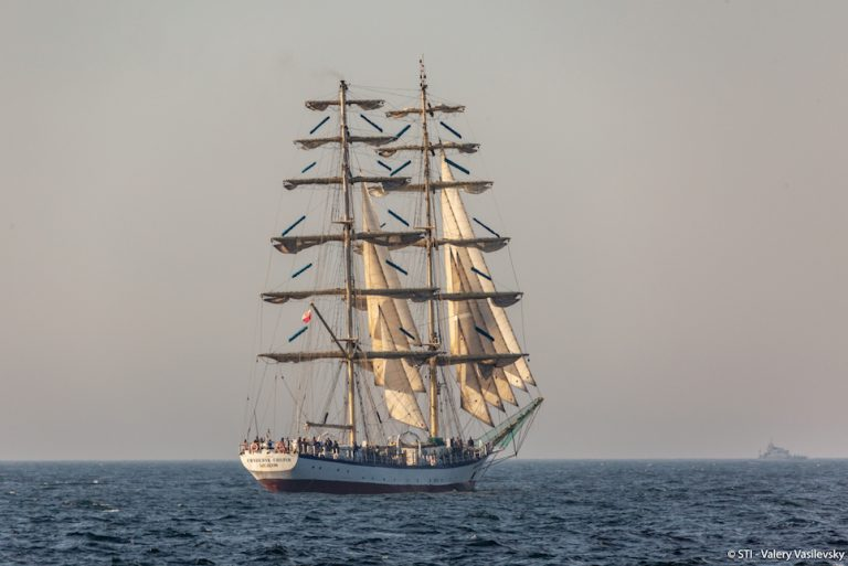 tall ship fryderyk chopin