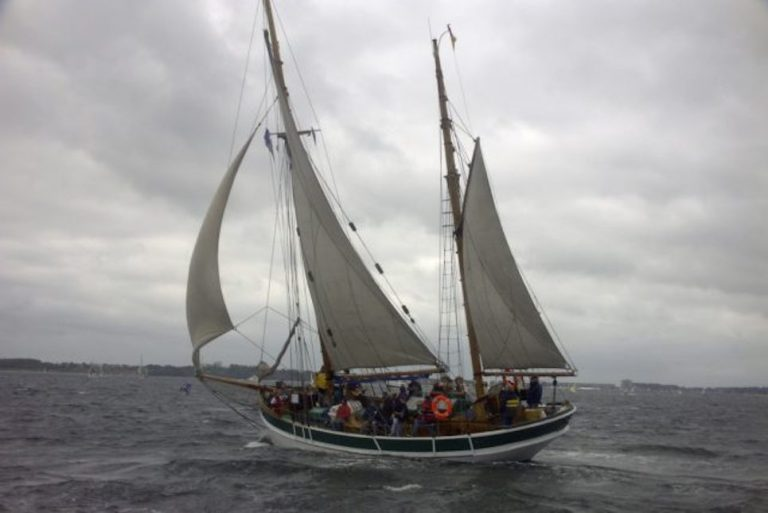 alexa tall ship