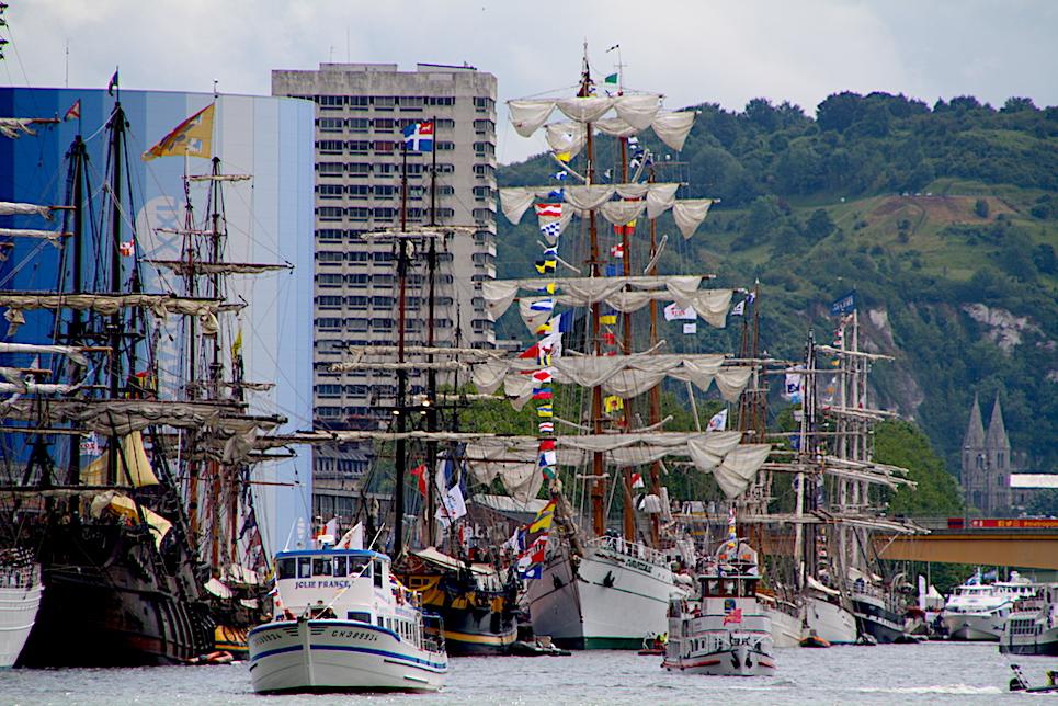 cuauhtemoc docked at the liberty tall ships regatta 2019 rouen